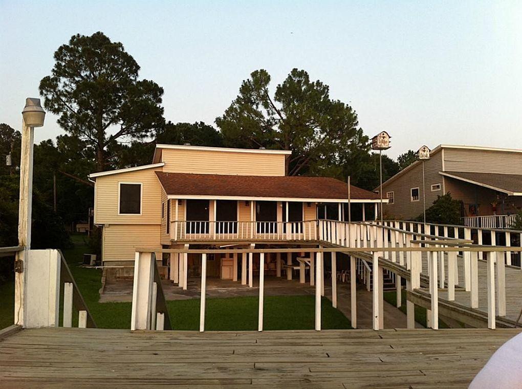 134 lakeview dr livingston tx 77351 for Home builders in livingston tx