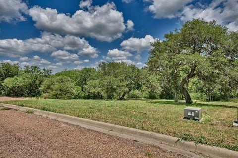 114 Kathleen Ave, La Grange, TX 78945
