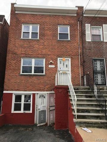 Photo of 1054 E 227th St, Bronx, NY 10466