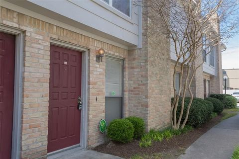 lakecrest townhome condominiums houston tx real estate homes for rh realtor com