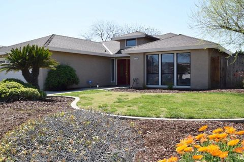 Hanford Ca Houses For Sale With Swimming Pool Realtorcom
