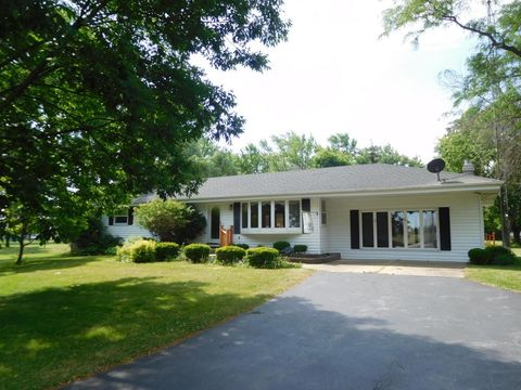 17231 Old Yorkville Rd, Union Grove, WI 53182
