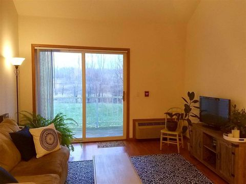 33 B Grand Canyon Dr Unit 211 Wisconsin Dells WI 53965