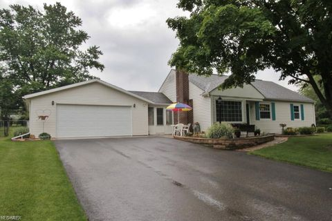 Photo of 3140 Lookout Dr, Zanesville, OH 43701