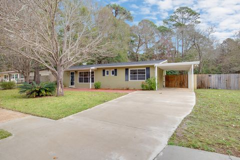 Photo of 210 Anderson Dr, Mary Esther, FL 32569
