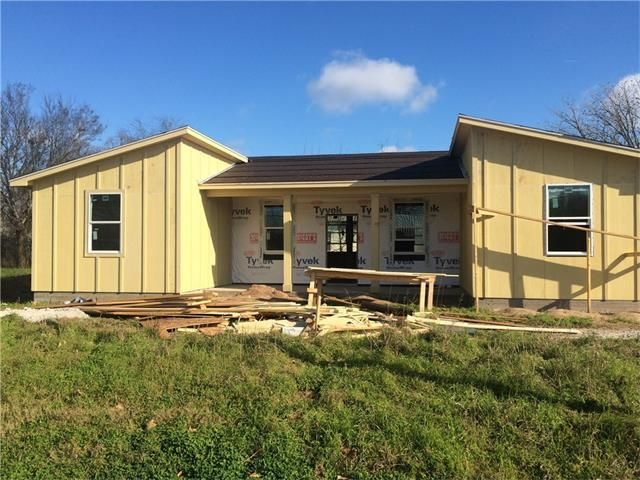 206 walker st smithville tx 78957 home for sale and