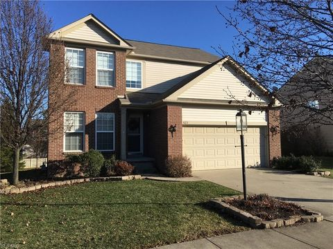 Photo of 423 Carrington Ln, Broadview Heights, OH 44147