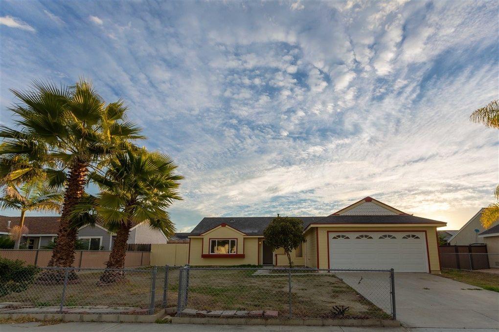 727 Butterfield Rd, Oceanside, CA 92057