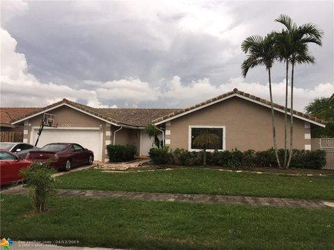 Photo of 6350 Nw 200th Ter, Hialeah, FL 33015