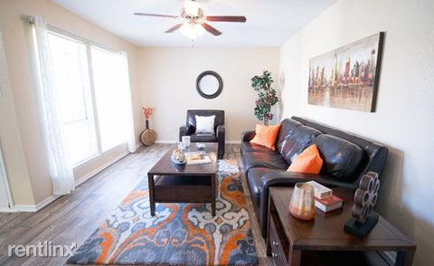Photo of 2004 Taxco Rd # 1, Fort Worth, TX 76116