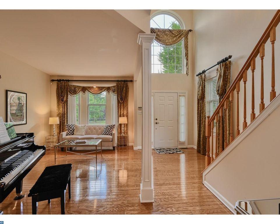 30 Wood View Dr Mount Laurel NJ 08054