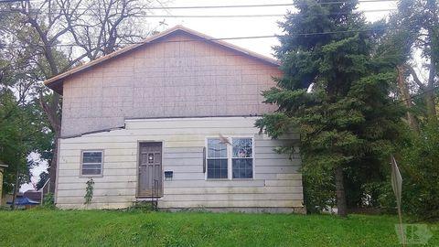 706 W Briggs Ave, Fairfield, IA 52556