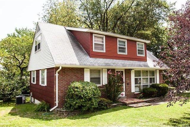 1154 s elm ave webster groves mo 63119 home for sale and real estate listing. Black Bedroom Furniture Sets. Home Design Ideas