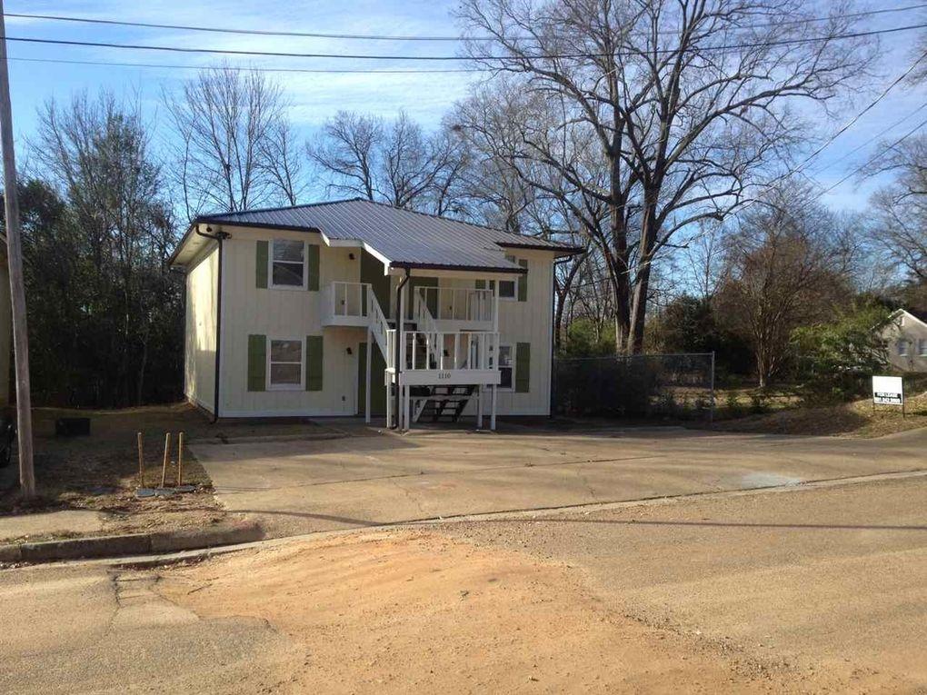 1110 Riverview Pl, Jackson, MS 39202