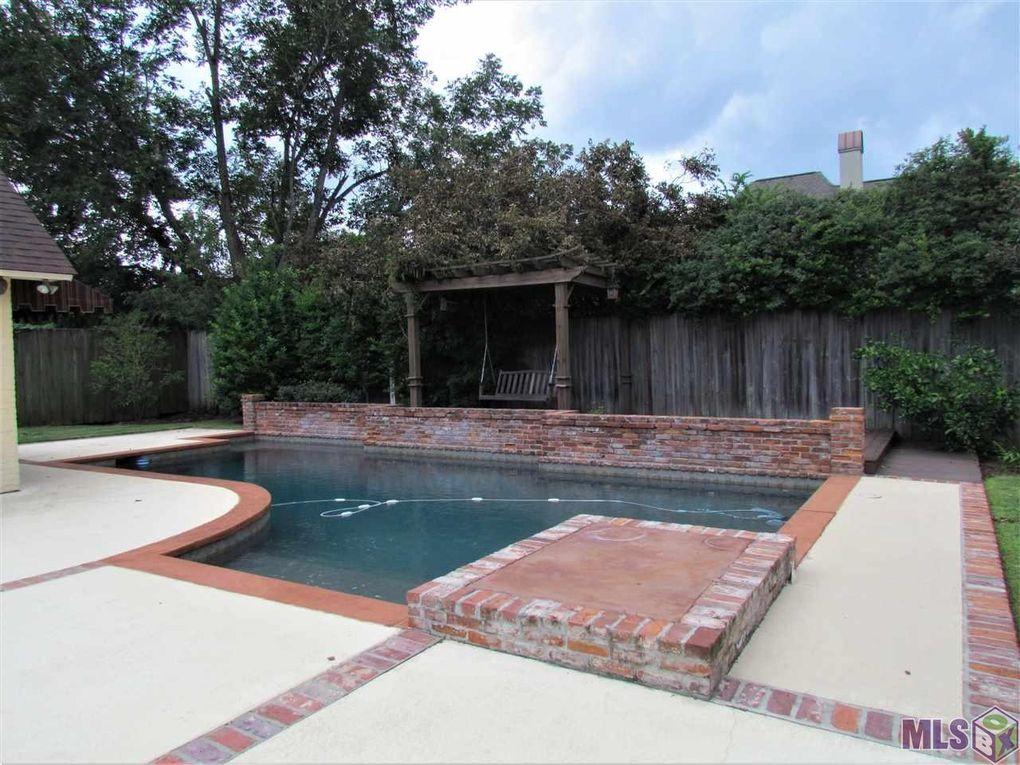17912 Heritage Estates Dr, Baton Rouge, LA 70810