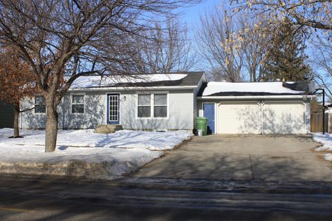 1501 12th St S, Brookings, SD 57006
