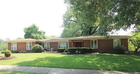 1414 N Woodlawn Ave, Warson Woods, MO 63122