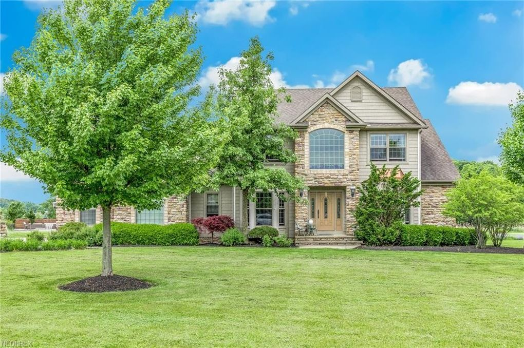 2338 Rivers Edge Dr Willoughby Hills Oh 44094 Realtor Com