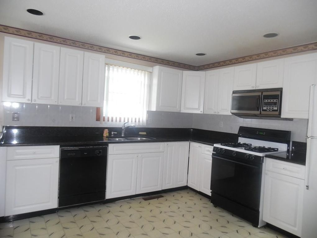 87 Butler St, Fall River, MA 02724
