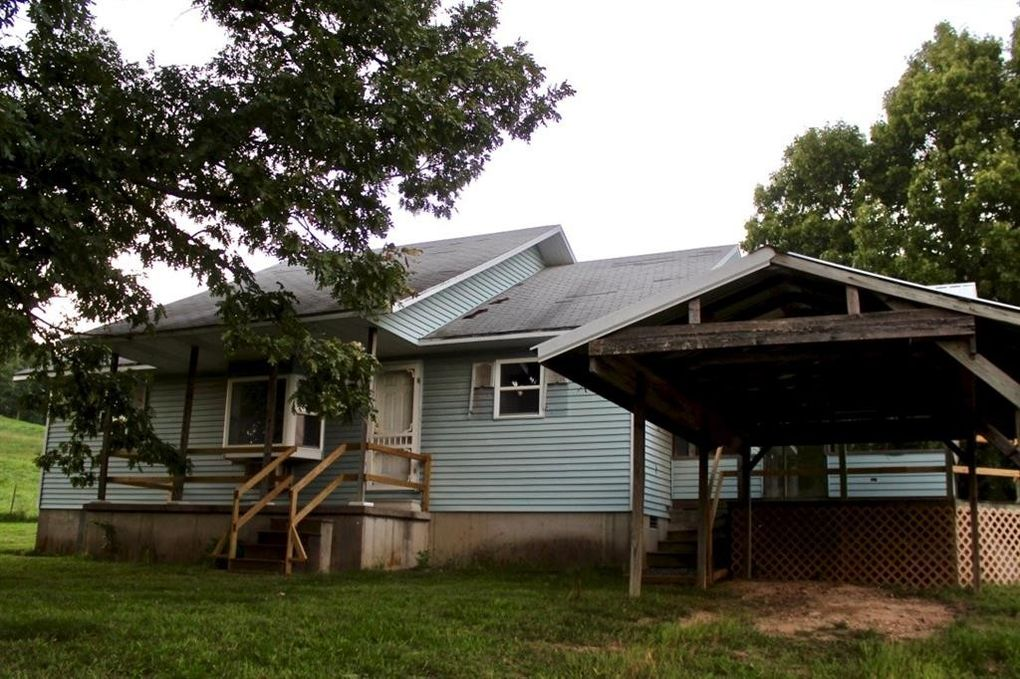 8266 Highway 103 S, Green Forest, AR 72638