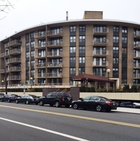 2400 hudson ter apt 4 b fort lee nj 07024