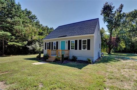 Photo of 218 Sand Bank Rd, Port Haywood, VA 23125