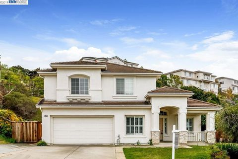 Photo of 29928 Red Maple Ct, Hayward, CA 94544