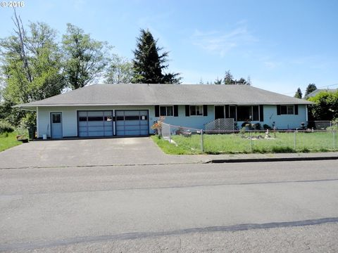3330 Chester St, North Bend, OR 97459