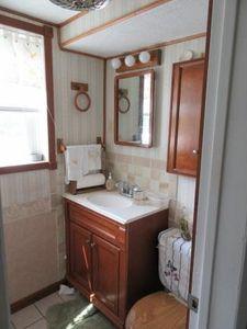 1860 midview st kingsport tn 37665 bathroom