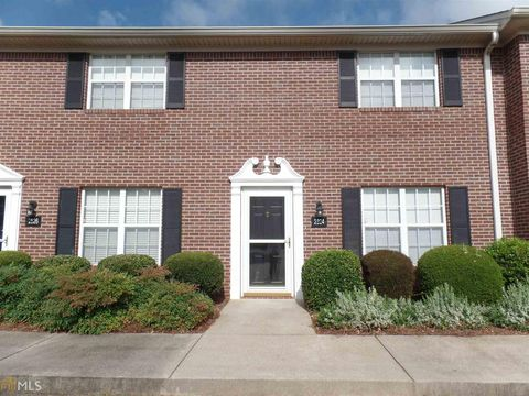 Photo of 2824 Florence Dr, Gainesville, GA 30504