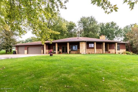 Photo of 64 13th St Ne, Byron, MN 55920