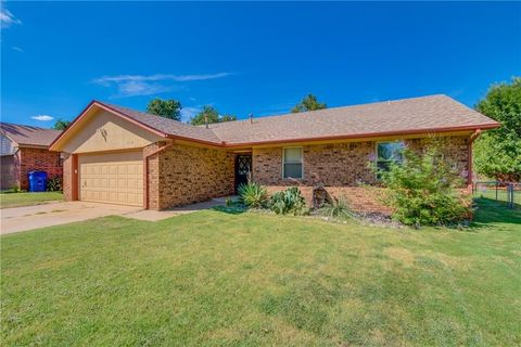 1113 W Johnathan Way, Mustang, OK 73064