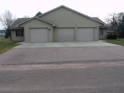 Photo of 401/403 E Drake St, Ethan, SD 57334