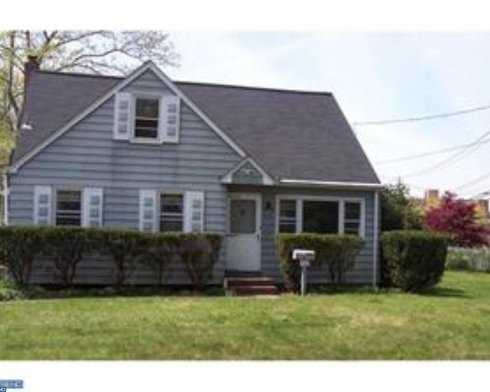 22 W South Ave, Mount Holly, NJ 08060