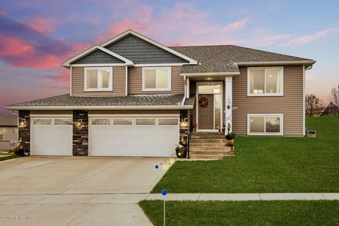 Photo of 5857 Excalibur Ct Nw, Rochester, MN 55901
