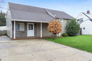 View All Levittown, NY Homes, Housing Market, Schools