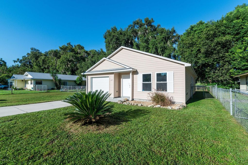 113 Woodlane Ave, Wildwood, FL 34785