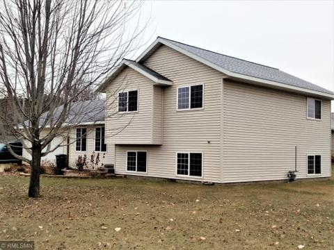 809 7th Ave Sw, Little Falls, MN 56345