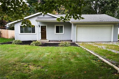 Photo of 221 Shiawassee Ave, Fairlawn, OH 44333