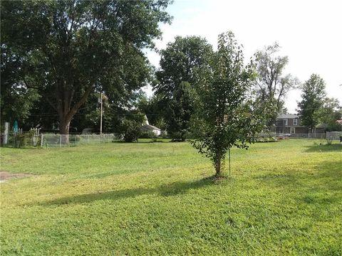 Photo of 623 W Broadway St, Higginsville, MO 64037