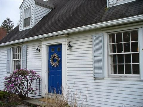 29 Woodruff St, Litchfield, CT 06759