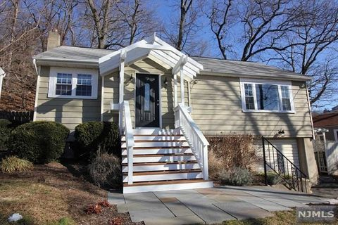 7 Mount Glen Rd, Ringwood, NJ 07456