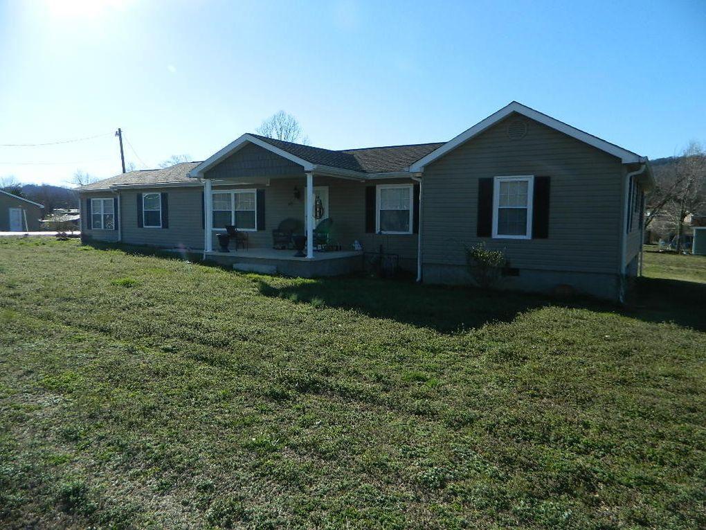 40 Oak Ave, Trenton, GA 30752
