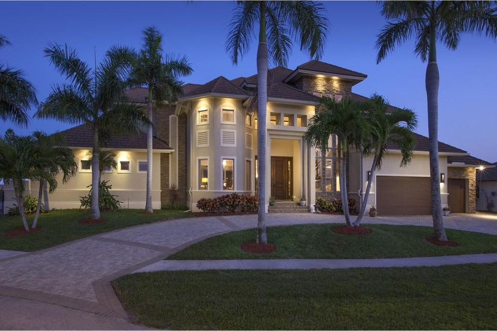 967 Iris Ct, Marco Island, FL 34145 - realtor.com®