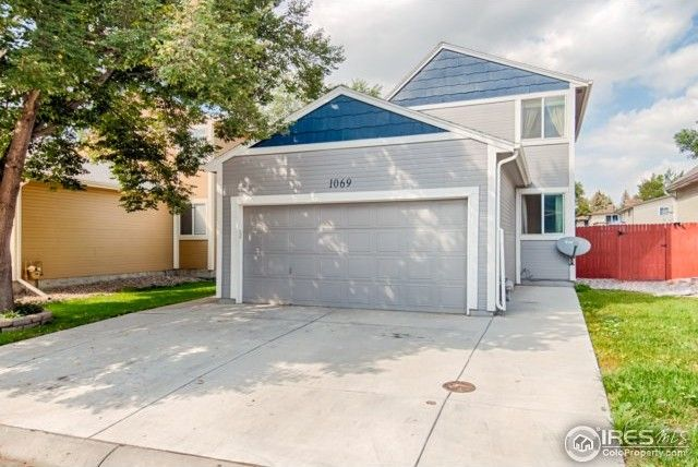 1069 Townley Cir, Longmont, CO 80501