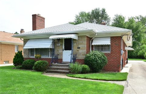 Photo of 2901 Dale Ave, Rocky River, OH 44116