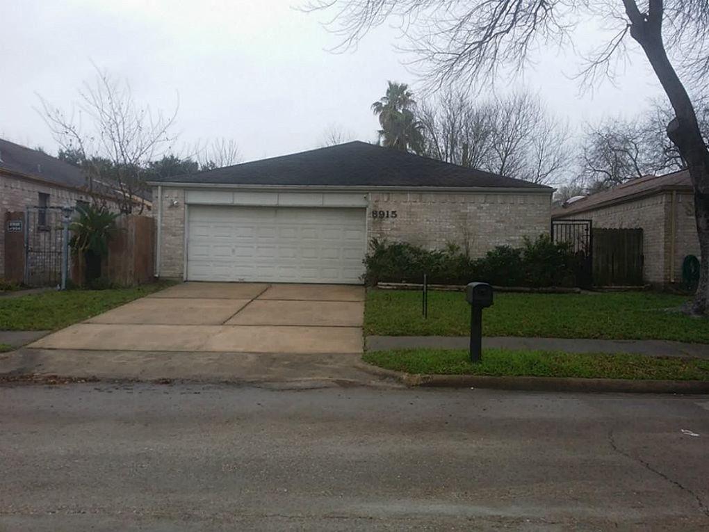 8915 Ketchwood Dr, Houston, TX 77099