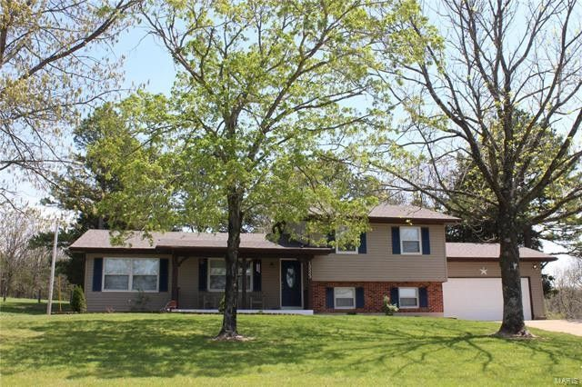 Superb 13523 Lakewood Dr, Sainte Genevieve, MO 63670