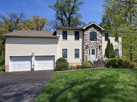 Photo of 50 Eleni Way, Berkeley Heights Twp, NJ 07922