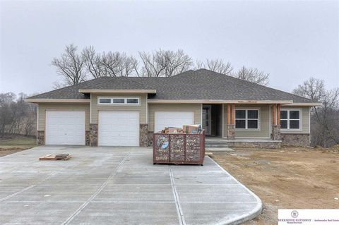 Photo of 6616 Elderberry Cir, Omaha, NE 68152